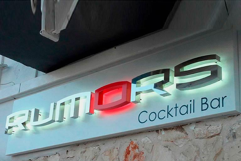 rótulo con letras corpóreas para bares