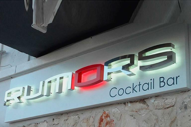 rotulo cocktail bar